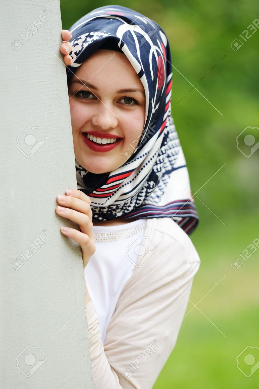 pandrup single muslim girls Dating indonesian women is all about embracing the fact that these girls are into you, meeting them online, focusing on the ones who don't wear headscarves, respecting her curfew, leading her every second, and being the nicest person on earthas long as her mom is around.