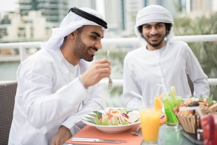 hommes arabes